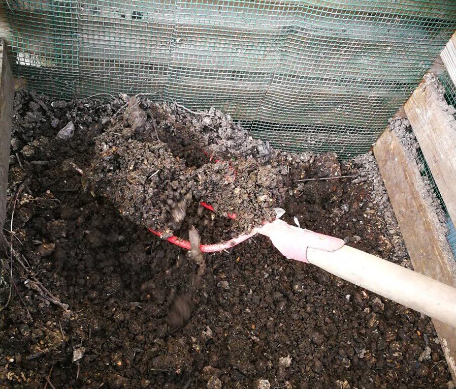 Câteva trucuri pentru obținerea de compost
