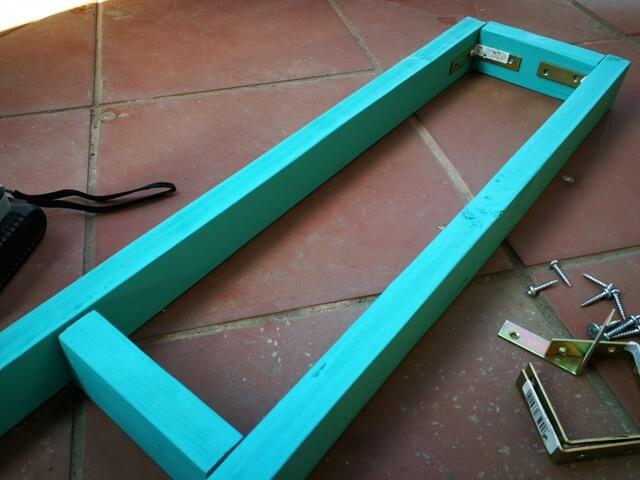 Asamblarea cadrului din lemn pentru grădina verticală